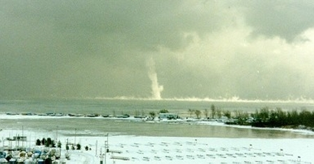 snow spout or snow devil or snow tornado or ice devil